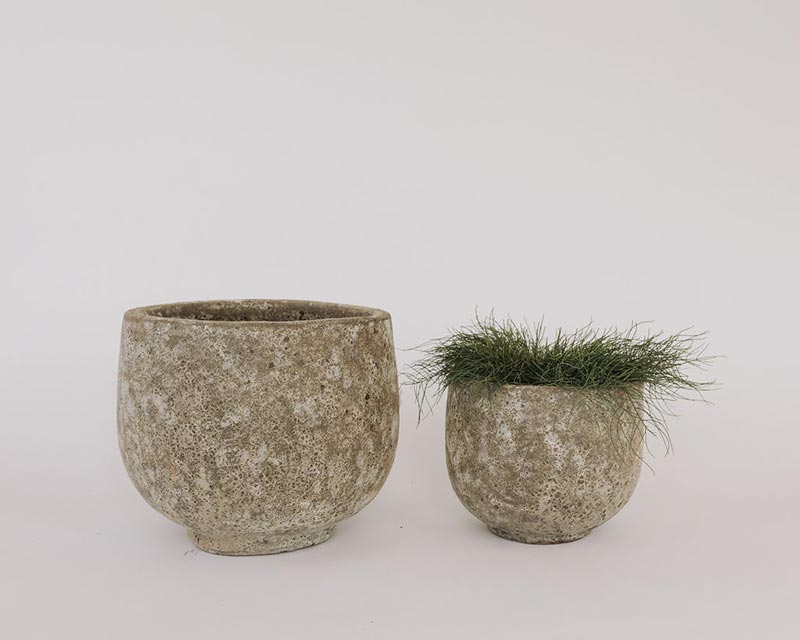 Lava pots in medium and small size to hire or buy